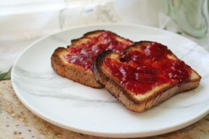 Read more about the article Homemade Strawberry Jam–No Pectin Needed